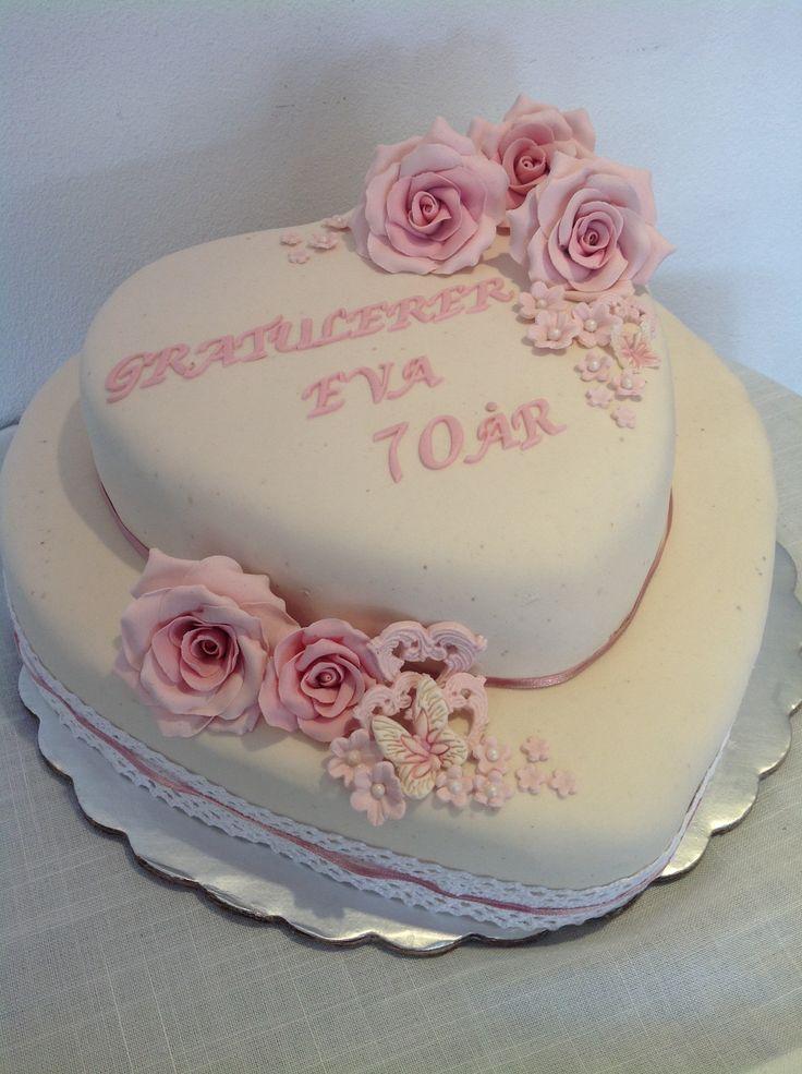 Heartshaped Birthdaycake.