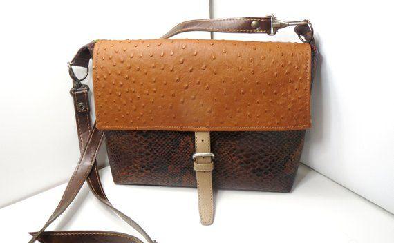 Articles Similaires A Sac A Main Simili Cuir Marron Sac Cousu Main Sac Unique Sac Vegan Sac Bandouliere Sac A Main Sac Original Sac Besace Boho Bag Sur Etsy Handbag Brown Bags Bags