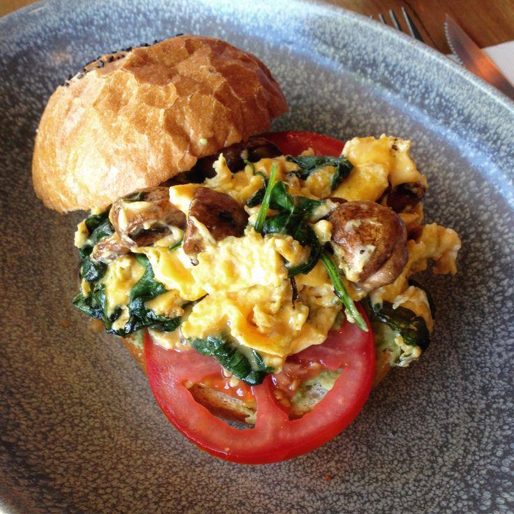 Verb Cafe (Flemington): Vegetarian Breakfast Burger [8.5/10].