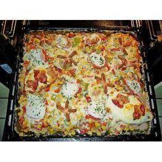 Party - Schnitzel vom Blech ♥10 Schnitzel, Schwein, Huhn oder Pute60 g Mehl3 Gläser Pilze, Mischpilze, Champignons etc.350 g Käse, Gouda (am Stück oder bereits gerieben)2 Becher süße Sahne1 EL Fondor Salz und Pfeffer Paprikapulver, Chinagewürz Die Schnitzel mit Salz, Pfeffer, Paprika und Chinawürzer einreiben, in Mehl wenden und auf ein tiefes, gefettetes Backblech legen.Die Pilze abtropfen lassen und auf dem Fleisch verteilen und ca. 30 Min. im 200°C heißen Ofen backen.Den Käse in...