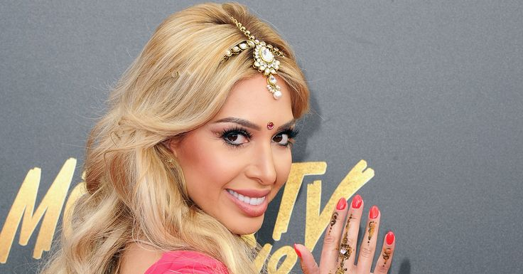 Farrah Abraham Sparks Controversy With Bollywood Outfit At MTV Awards http://www.huffingtonpost.com/entry/farrah-abraham-mtv-movie-tv-awards_us_590faf40e4b0d5d9049d6843?utm_campaign=crowdfire&utm_content=crowdfire&utm_medium=social&utm_source=pinterest