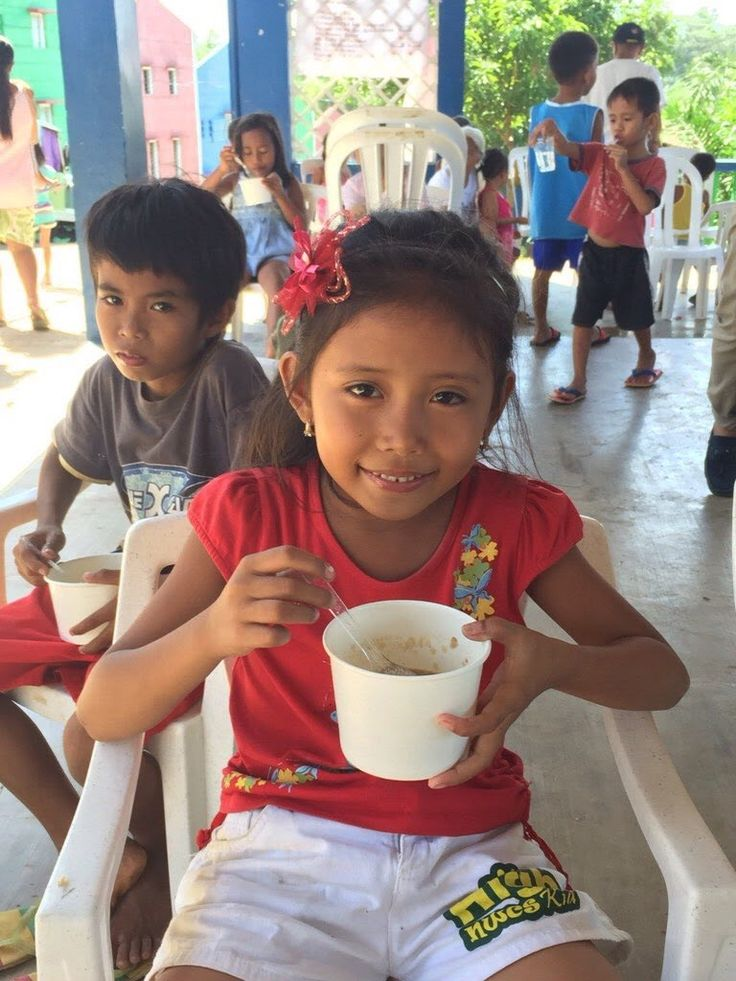 @ParisHilton supporting #CharityFeeding Drive was in #GawadKalinga Village in Tanay, #Philippines. It is very important to #giveback to those in need & #makeadifference in people's lives.  #Beauty #Charity #Children #Christmas #FBF #FlashbackFriday #Holidays #Love #NewYears #NewYearsDay #ParisHilton #Philanthropist #Philanthropy  #Photography #TBT #ThrowbackThursday #WCW #WomanCrushWednesday