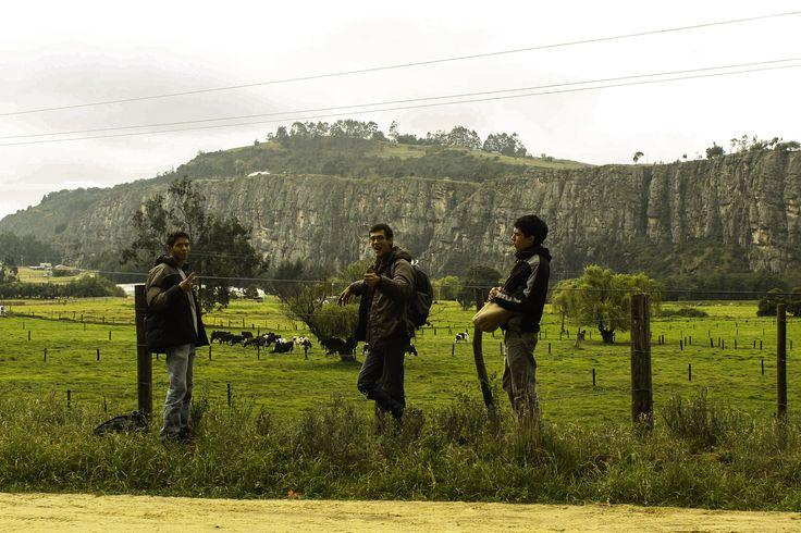 Suesca - Cundinamarca. Fotografía: Luis Daniel. Escaladores: David Nustes, Pablo Andres Medina, Daniel san. Modalidad: Deportiva.