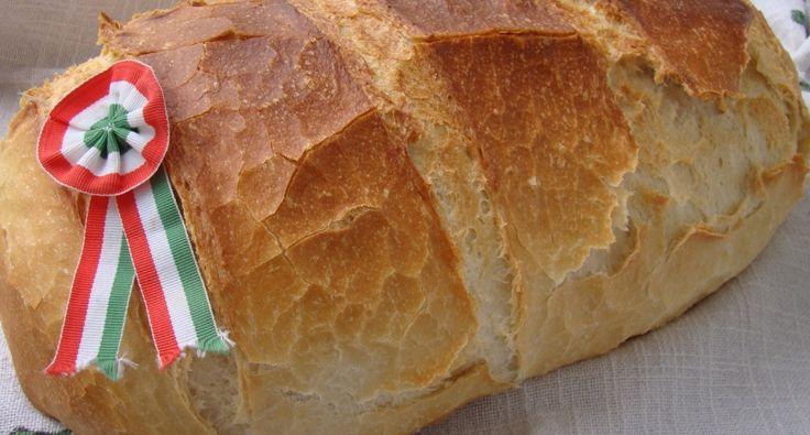 A tökéletes fehérkenyér recept: Mivel kenyérben van a jól bevált, de azért még próbálgatok, Attkáriné Terike kenyerét próbáltam ki augusztus 20.-án. Csodaszép lett és nem semmi méretű így akár le is lehet felezni az adagot. Ebből az adagból egy 1860 g-os kenyér lett. Az unokatesóm így megspórolta az aznapi sütést, mert a felét átvittük neki. És hát kell attól nagyobb elismerés milyen finom, mint amikor azt látja az ember, hogy azonnal neki esnek és dörgölik be a finom friss kenyeret…