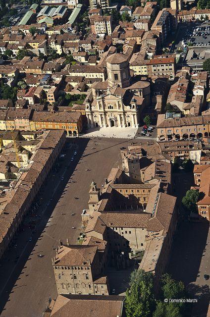 Piazza Martiri, Carpi by Domenico Marchi, via Flickr