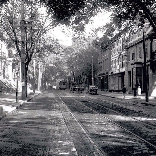 Check out this view of St-Denis St. taken north of Emery, looking South on Aug. 29, 1906.  #OldMontreal #Vintage Photo found in the @montrealgazette archive library.