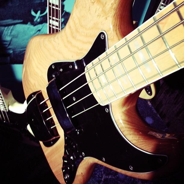 .@Steph Whittle | American Vintage 1974 Jazz Bass #fender #fenderbasses