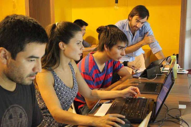 Un grupo de emprendedores creó Launchpad, una idea donde se ofrecen cursos acelerados y abiertos de programación.