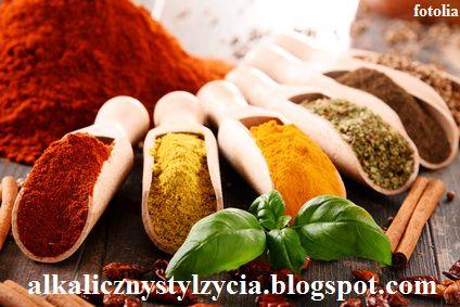 Alkaliczny styl życia: 12 ziół i przypraw w kuchni o największej mocy dla zdrowia - właściwości lecznicze ziół i przypraw.