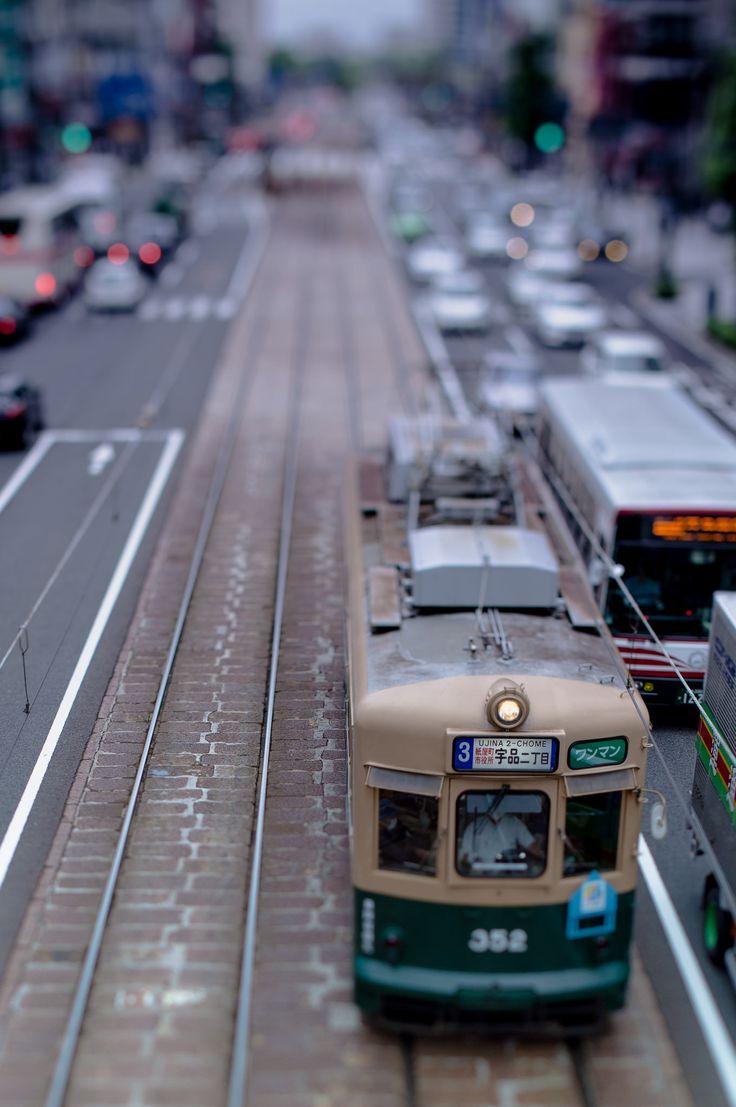 https://flic.kr/p/uArsq7 | 宇品行き路面電車 | Tram line in Hiroshima city
