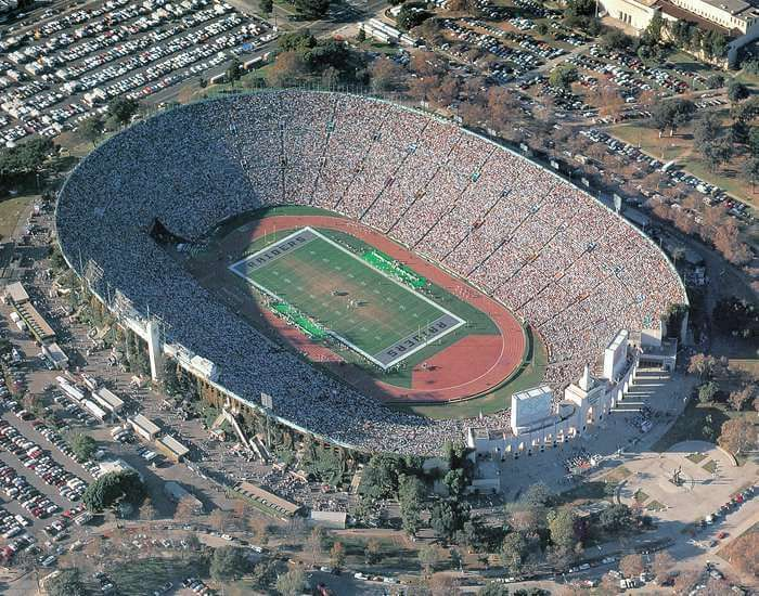 Los Angeles Memorial Coliseum California United States Of America Sports Venue In 2020 Los Angeles California Football Stadiums