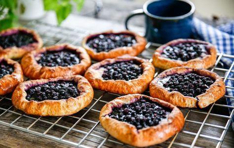 Blåbärsbullar som verkligen smakar blåbär! Lätta att göra, och kräver ingen jäsning!