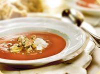 6 romige paprika soep met gamba en artisjokken