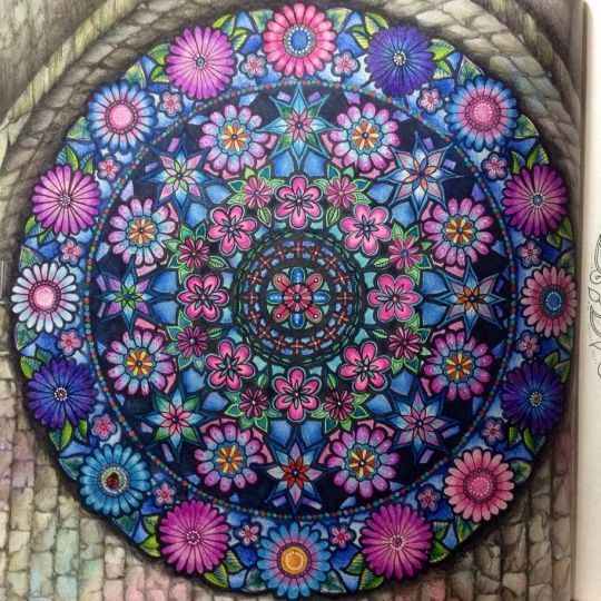 Johanna Basford | Picture by Rosana Penze - Brasil | Colouring Gallery