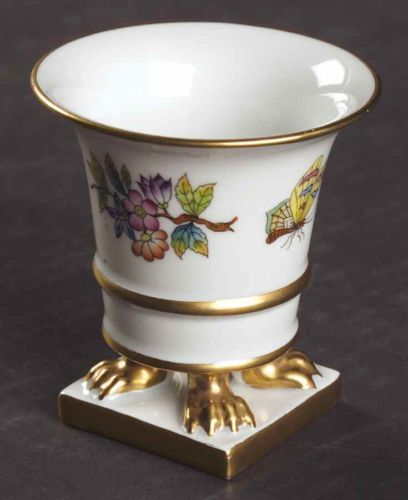 Herend QUEEN VICTORIA Small Clawfooted Vase 1816927