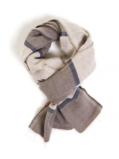 Heavy printed scarf. Measures/cm 60 x 180.