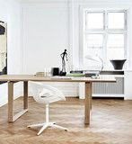 Rin  Design: Hiromichi Konno Manufactured under license in Denmark by Fritz Hansen