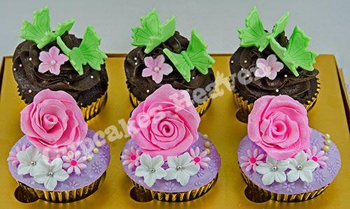 flower cupcakes & chocolate ganache cupcakes