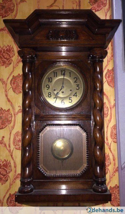 Antieke klok (Zeer groot) Zonder sleutel, maar werkt nog perfect Komen bezichtigen te Izegem