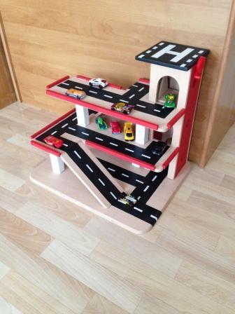 Parkhaus aus Holz für Kinder - #OBI Selbstgemacht! Blog. Selbstbauanleitung für jedermann. #Holzspielzeug