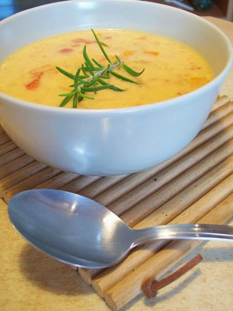 Kruszynowe kucharzenie...: Zupa serowa z pomidorami i tymiankiem