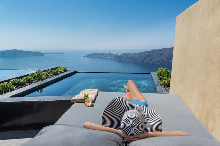 How about this for a room with a view? Imagine chilling here with your favourite drink and your favourite person!