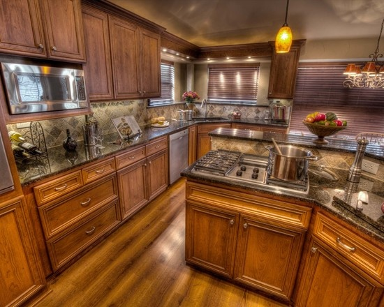 View This Great Traditional Kitchen With Raised Center Panel Full Overlay  Cabinets U0026 Dark Stained Cabinetry. Discover U0026 Browse Thousands Of Other  Home ...