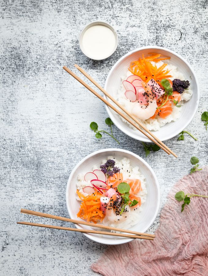 So trendy and delicious sushi bowl! http://www.jotainmaukasta.fi/2017/04/18/sushi-bowl/