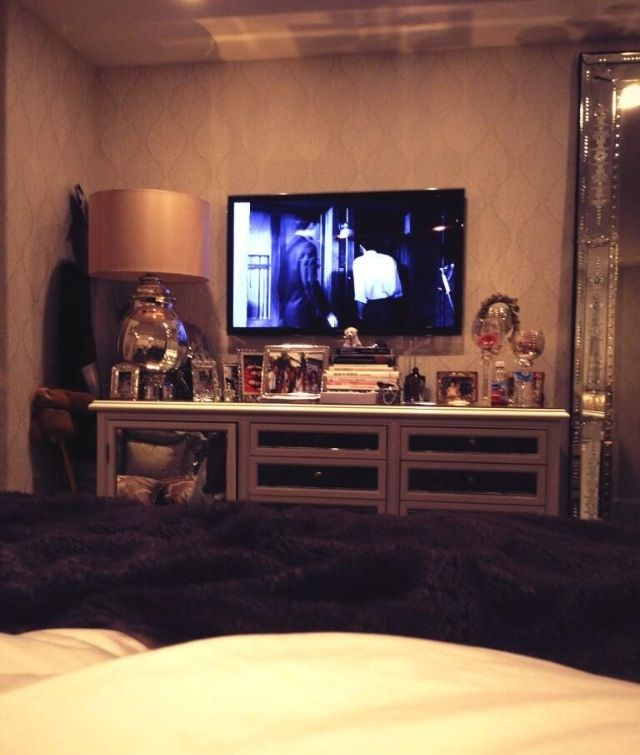 Kylie Jenner Room: Best 25+ Tv In Bedroom Ideas On Pinterest