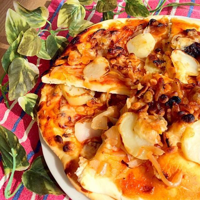 ポテト×玉ねぎ×鶏胸肉×天かす 家にあったものでパパッとランチ 発酵なしで楽チン♪ 美味しかった〜(*´ェ`*)♡ - 16件のもぐもぐ - 手作りピザ by acchanxoxo