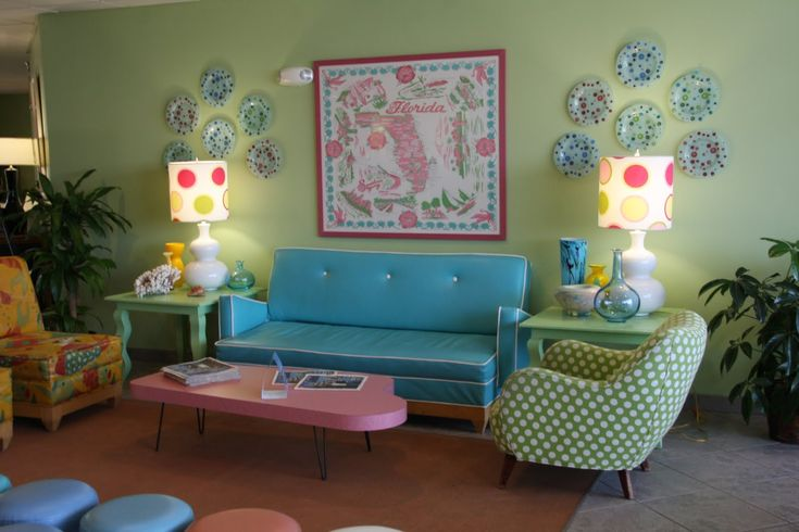 not sure i'd do it in my house..but funky. love turquoise and lime green together. i have those colours as accents in my living room