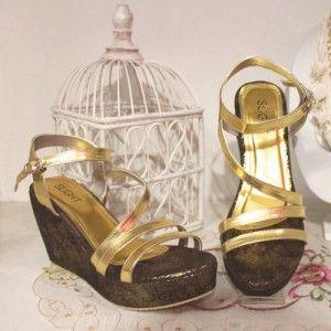 Sepatu Wedges Shayna Emas IDR237.000 SIZE 36-40 Hubungi Customer Service kami untuk pemesanan : Phone / Whatsapp : 089624618831 BBM : 79EE2480 Line: Slightshoes Email : order@slightshop.com