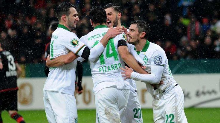 DFB-Pokal: Pizarro schießt Werder Bremen ins Halbfinale http://www.bild.de/sport/fussball/dfb-pokal-viertelfinale/pizarro-schiesst-werder-ins-halbfinale-44495598.bild.html