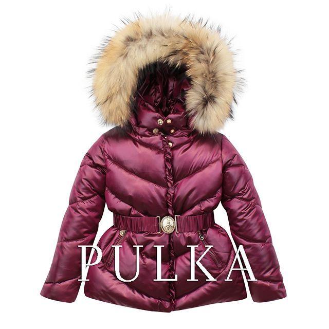 Теплая куртка для девочки с капюшоном и меховой оторочкой из новой коллекции #PULKA ! Красивый. но при этом ноский цвет - темно-красный металлик:) Размерный ряд с 86 по 122.  Новая коллекция бренда уже доступна в магазинах #SilverSpoon #LapinHouse #KidsRocks #Pollichini  Посмотреть ближайший к вам магазин: http://pulka-kids.ru/store ❄❄❄❄ #готовимсякзиме #детскиепуховики #верхняяодежда_дети #курткидлядетей #pulkakids #silverspoon #комбезыдлядетей #комбинезоныдлядетей #новаяколлекция_зима…