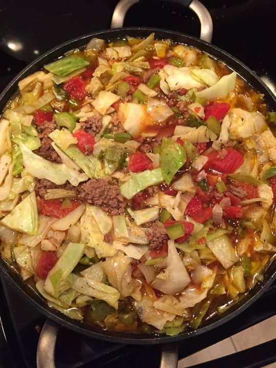 CABBAGE SOUP WITH HAMBURGER   <3 If you are not FOLLOWING ME already -- WHY NOT??!! lol Make sure you click FOLLOW at the top of my page!  <3  Ingredients: 2-3 pounds of hamburger (can substitute ground turkey) 1 head of cabbage, chopped 2 cup celery, diced 2 cup white or yellow onion, diced 1 green bell pepper, diced 2-3 cloves garlic, minced 5-6 cups beef broth 2 - 14 oz can basil, oregano, garlic diced tomatoes 2 teaspoon oregano 2 teaspoon basil ½ teaspoon red pepper flakes few shakes of…