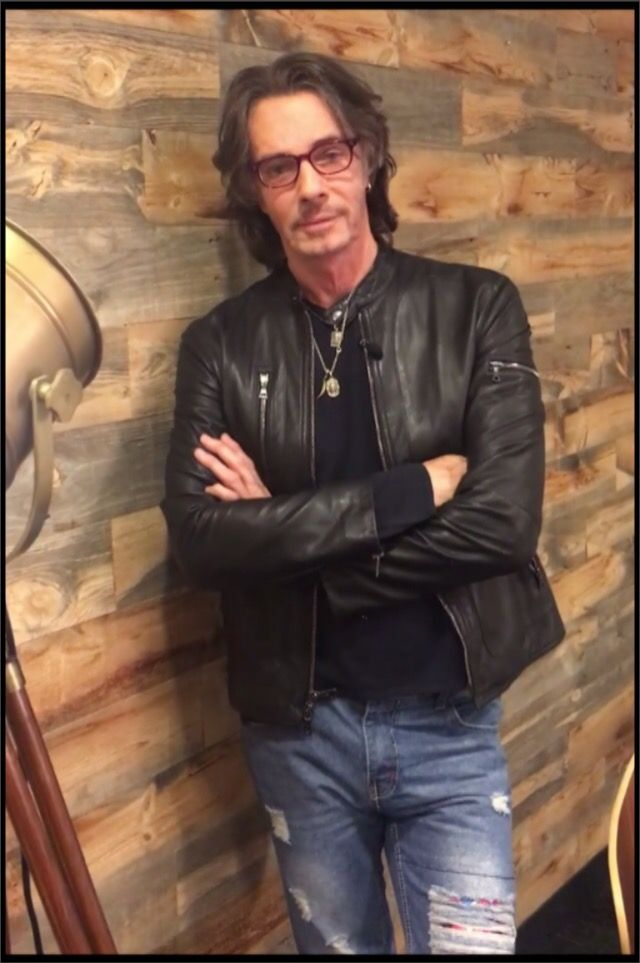 Loving the new outfit! Rick Springfield ♥️