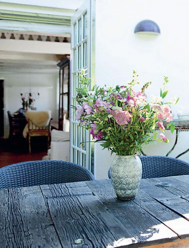 Bolig: Sommerhus med antikke møbler og loppefund | Femina