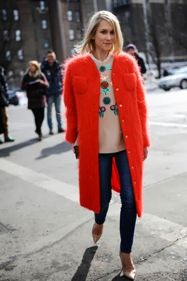 LE CATCH: red alert-love this coat!