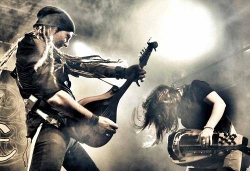 Darkview - Belgian Dark Alternative Lifestyle Source - Spotlight : Eluveitie - Brictom(unplugged)
