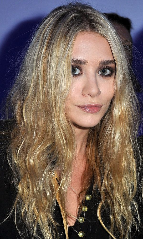 BEAUTY CLOSE-UP: MARY-KATE   ASHLEY | STATEMENT BROWS IN PARIS