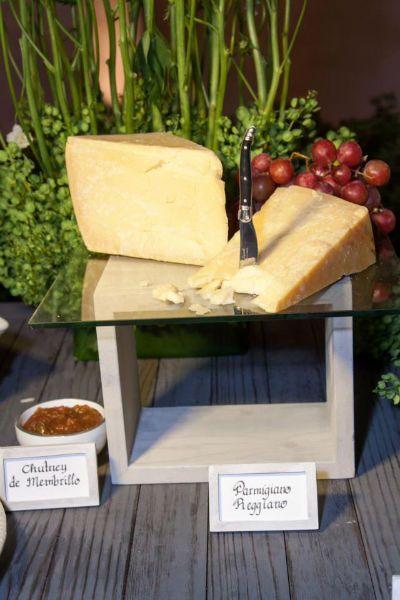 Mesa de quesos para bodas foto kanela cocktail - Mesa de quesos para bodas ...