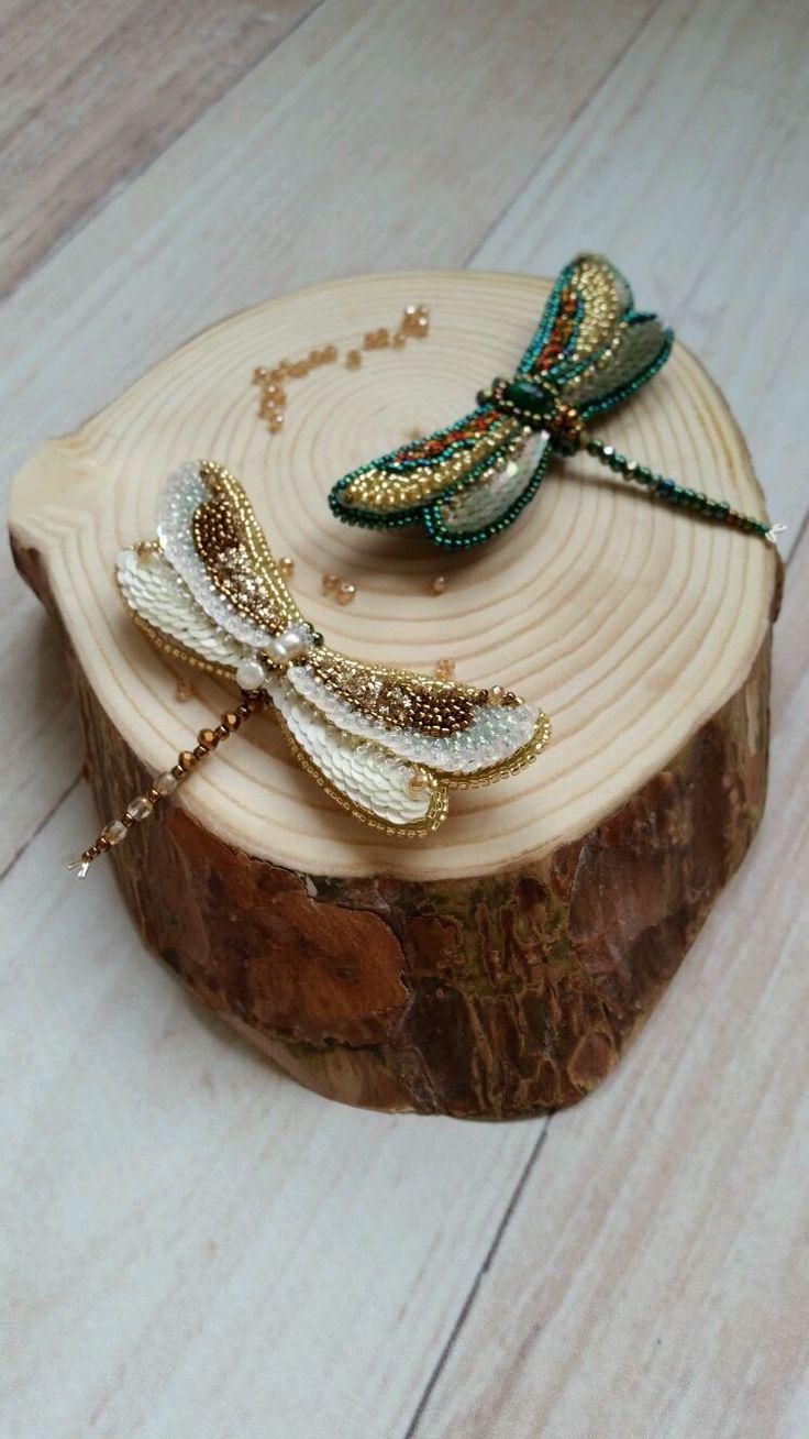 Купить Стрекозка - брошь, стрекоза, бабочка, вышитая брошь, вышитые украшения, Вышивка бисером