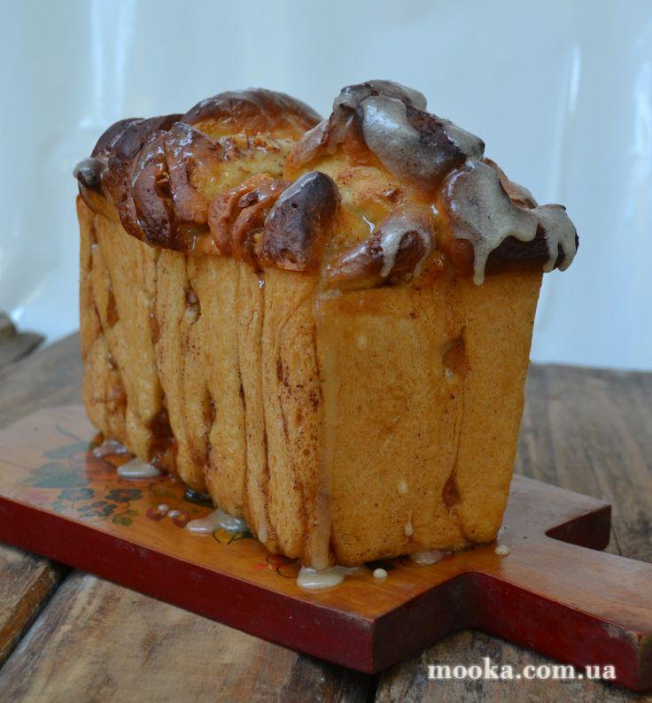 Сладкий  хлеб   с яблоком и корицей   с медовой  глазурью