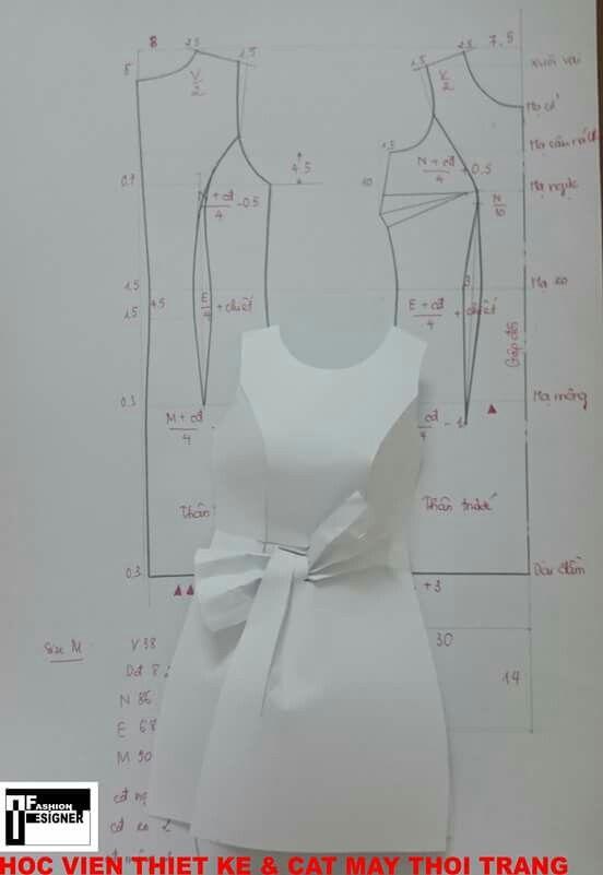 Váy nơ eo