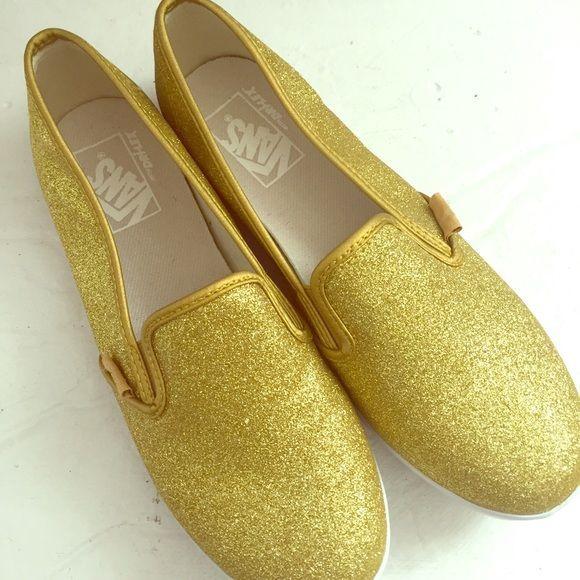 Size 5 toddler gold dress shoes xoxo
