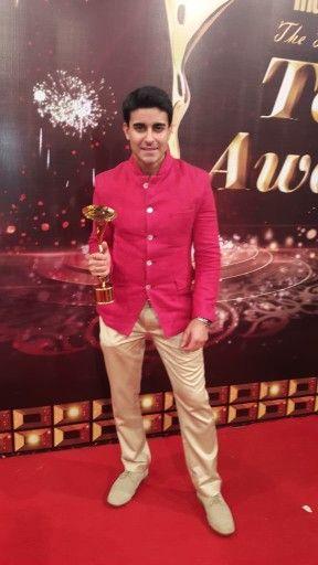 Gautam rode won best actor award at indian telly award