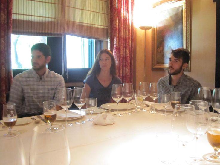 Javier González, Vanessa Quintanar y Pablo Cantó, tres de los alumnos de la IV Promoción UCMgastro. Restaurante El Bodegón (Madrid), 8.07.2013. Imagen Nuria Blanco @nuriblan, @UCMgastro.
