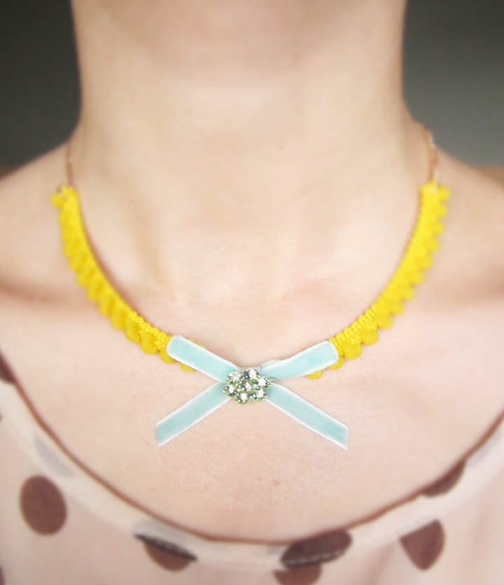 Mint green and bright yellow...color perfection