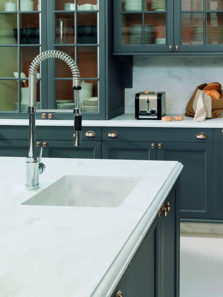 Tendência: cozinhas com armários de estilo clássico! Veja modelos e dicas de como aderir!