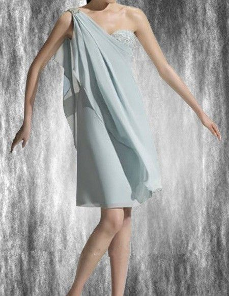 With an elegant looks presented by this adorable chiffon prom dress, you are meant to be a charming lady. It appears to be flying light in chiffon along with the simple and cool design, which turns out to be the highlight of a knee-length dress. The one-shoulder adds a touch of reserved and sexy taste, and the beading around looks pretty brilliant.